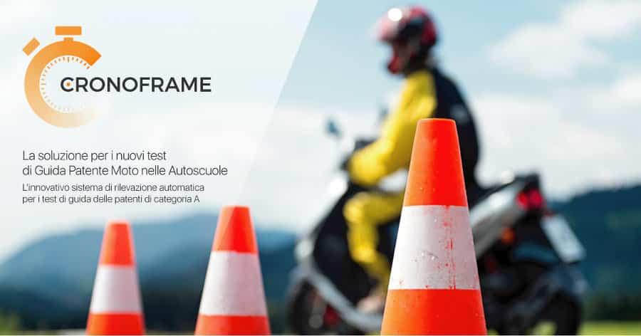 Obbligo di cronometro automatico per i test di patente moto